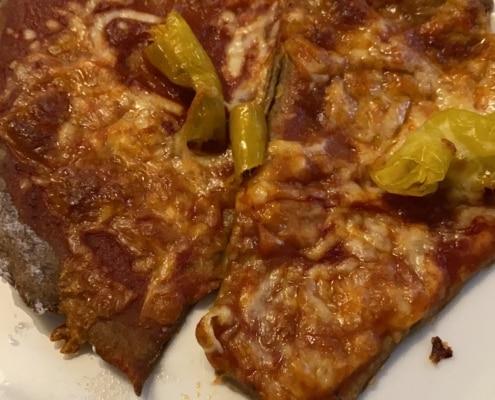 Hanf Pizza fertig zubereitet